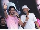 Neymar canta com Gusttavo Lima em show