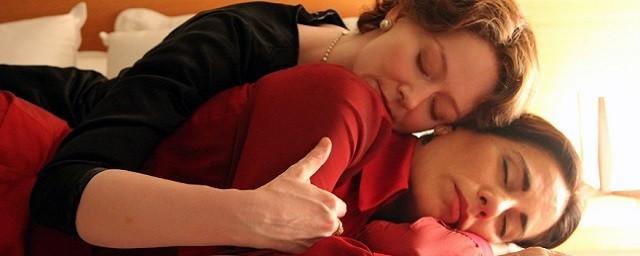 Miranda Otto, como a escritora Elizabeth Bishop, e Glória Pires em cena de 'Flores Raras' (Foto: Divulgação)