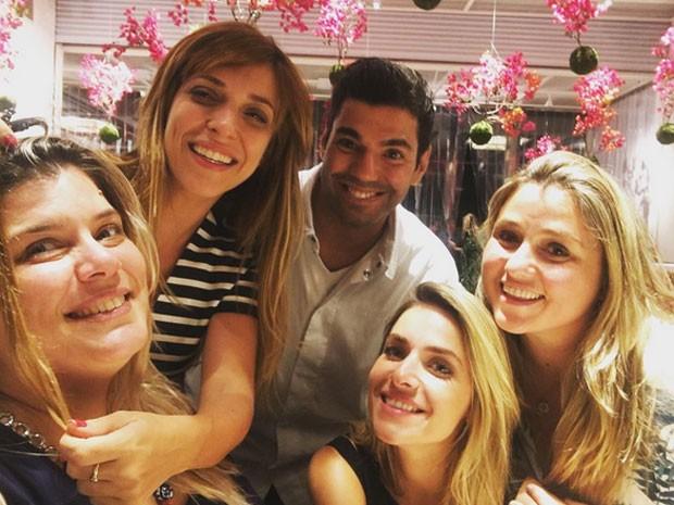 Mariana Nogueira, Julia Rabello, Felipe Bronze, Monique Alfradique e Marcella Bordallo (Foto: Instagram/ Reprodução)
