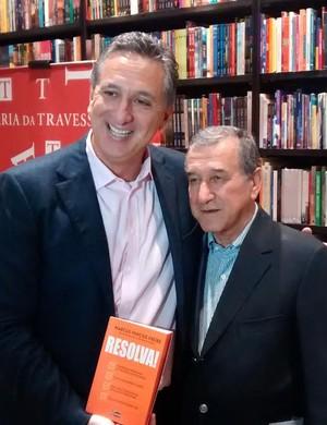 Marcus Vinícius Freire e Carlos Alberto Parreira (Foto: Leonardo Filipo)