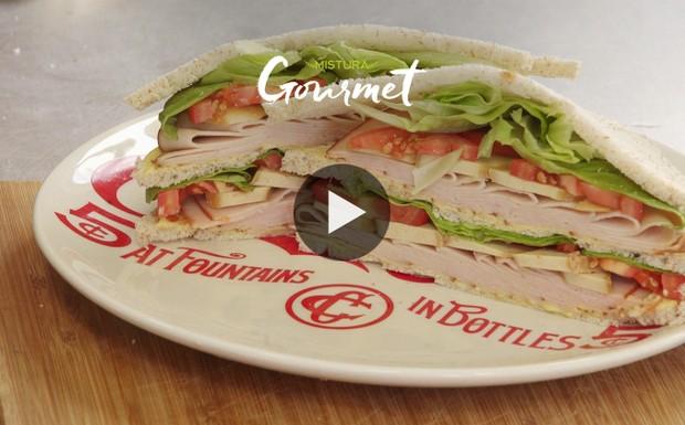 [940] Mistura Gourmet - Club Sandwich