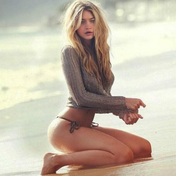 A modelo Gigi Hadid divulgando um de seus trabalhos. (Foto: Instagram)