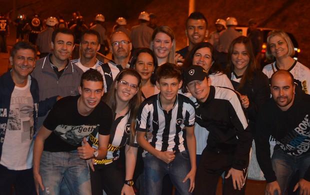 Família Gabriel volante Botafogo Campinas (Foto: Murilo Borges)