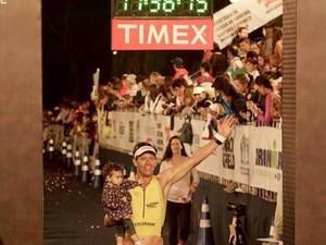 Wallace, de Santos, superou obesidade e passou a competir no Ironman (Foto: Arquivo pessoal)