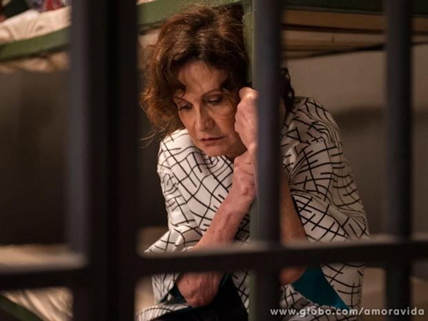 Tamara terá de passar a noite atrás das grades (Foto: Estevam Avellar/TV Globo)