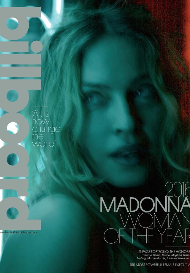 """Madonna é eleita a """"Mulher do Ano"""" pela Bilboard e revela: """"Mulheres odeiam mulheres"""""""