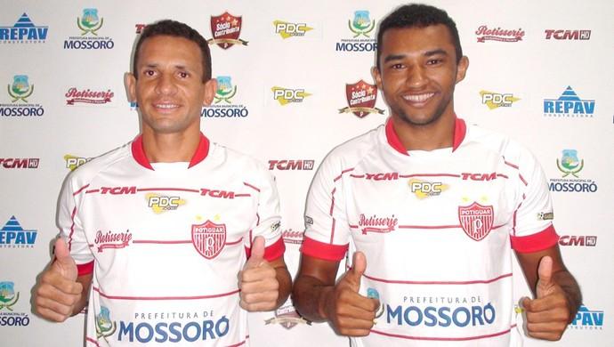 Rafael Potiguar e Odair - volante Potiguar de Mossoró (Foto: Marcelo Diaz/ACDP)