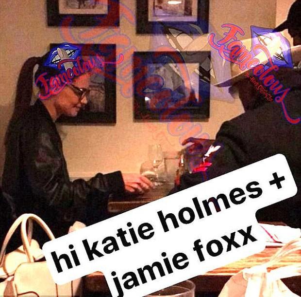 Suposta foto com Katie Holmes e Jamie Foxx juntos em jantar romântico (Foto: Reprodução/Fameolous)