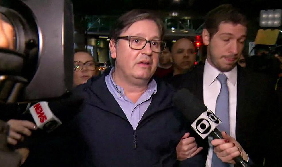 Deputado Rodrigo Rocha Loures (PMDB-PR) desembarca em São Paulo acompanhado de seu advogado (Foto: Reprodução/GloboNews)
