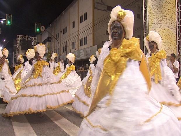 Para maioria do público, os desfiles viraram tradição. (Foto: Reprodução/TV Verdes Mares)