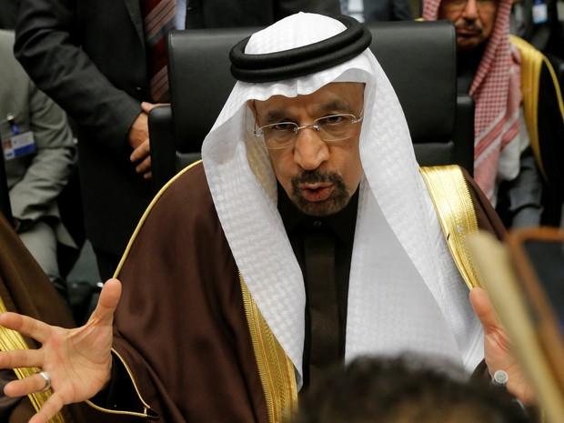 Ministro de Energia da Arábia Saudita, Khalid al-Falih, durante a reun~ião da Opep nesta quarta-feira (Foto: Heinz-Peter Bader/Reuters)