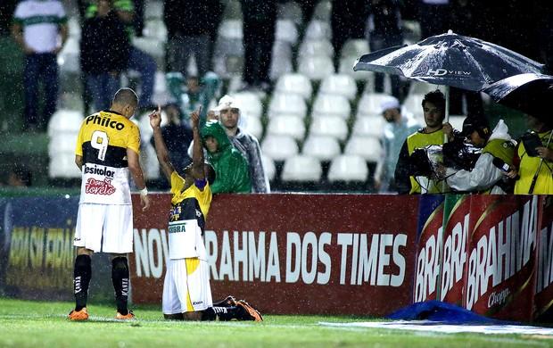 Lins Wellington Paulista criciúma gol coritiba brasileirão (Foto: Giuliano Gomes / Agência Estado)