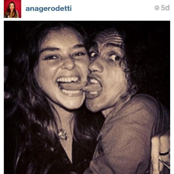 Caetano e Angela Ro Ro direto do túnel do tempo (Foto: Reprodução/Instagram)