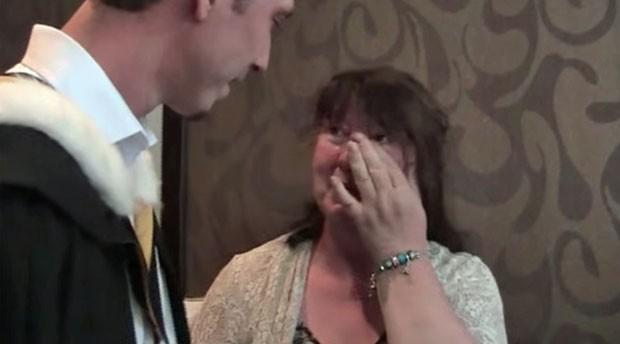 Liam Blair fez faculdade em segredo por quatro anos e só contou a verdade à mãe no dia formatura (Foto: Reprodução/YouTube/Liam Blair)