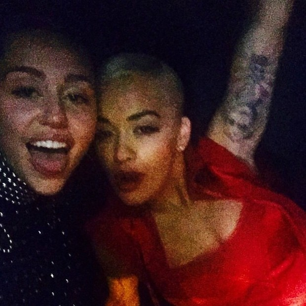 Miley Cyrus e Rita Ora (Foto: Instagram / Reprodução)