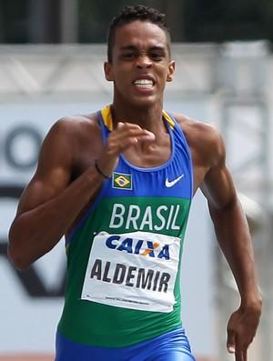 Aldemir Gomes da Silva Jr. temporada 2012 (Foto: Wagner Carmo/CBAt)
