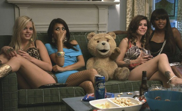 Cena do filme 'Ted', que estreia no Brasil na sexta-feira (21) (Foto: Divulgação)