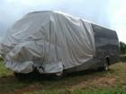 Sobe para três o número de mortos em acidente entre microônibus e carro