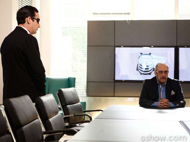 Jack dá uma missão secreta para Tommy Lee (Foto: Inácio Moraes/TV Globo)