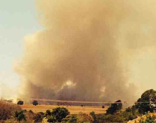 Fumaça pudia ser vista de longe (Foto: Marcelo Martin Andorfato / Aplicativo TEM Você)