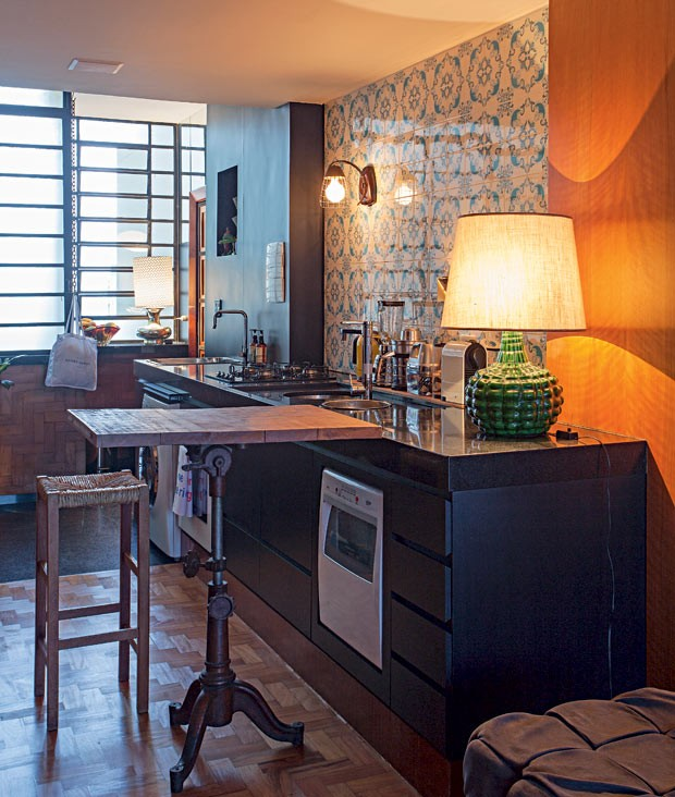 cozinha-abajur-azulejos (Foto: Gui Morelli/Editora Globo)