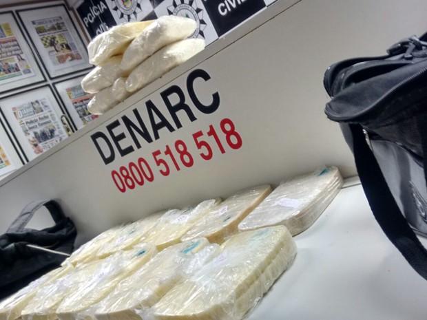 Foram apreendidos 12 kg de crack e cocaína  (Foto: Polícia Civil-RS/Divulgação)