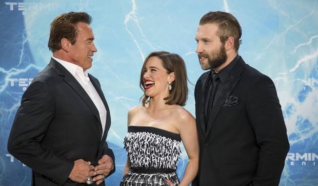 Arnold Schwarzenegger, Emilia Clarke e Jai Courtney (Foto: Agência Reuters)
