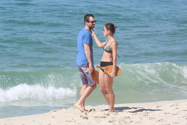 Fernanda de Freitas  e o namorado (Foto: Dilson Silva/AgNews)