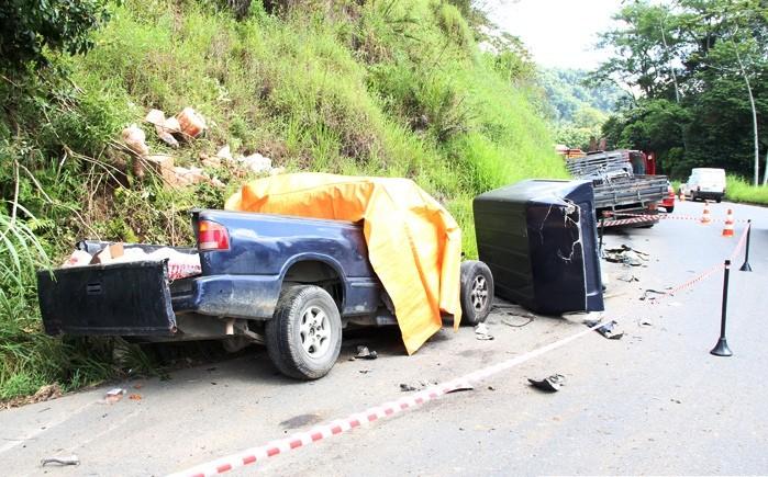 Acidente aconteceu em uma curva chamada de Três Marias  (Foto: Jornal Testo Notícias/Leonardo Borchardt)