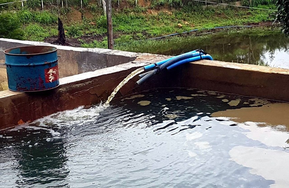 Água furtada era vendida por suspeitos, segundo a PM (Foto: Assessoria/Divulgação )