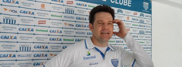 Argel Fucks, técnico do Avaí (Foto: João Lucas Cardoso / GLOBOESPORTE.COM)