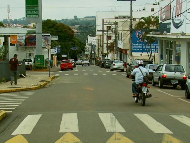 Saúde investiga 53 casos suspeitos de vírus da zika em Três Pontas, MG (Foto: Reprodução EPTV)