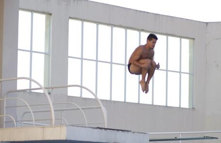 'O foco não é pular de tão alto, mas conseguir aprender os passos com perfeição', conta Gustavo Stephan