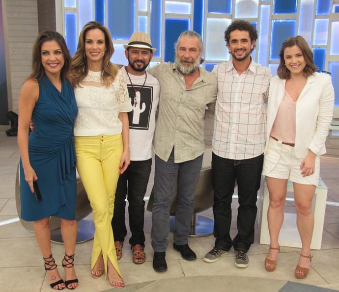 Convidados conversaram com os apresentadores Ana Furtado e Felipe Andreoli (Foto: Gabriela Bispo/ Gshow)