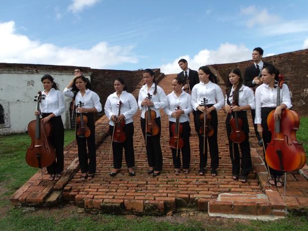 Orquestra Camerata Essência fará apresentação com 15 jovens músicos (Foto: Elias Sampaio/Arquivo Pessoal)