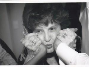 A atriz Rosita Thomas Lopes começou a carreira artística com 40 anos (Foto: Arquivo da Família)