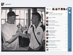 Neymar postou foto com Chorão em sua conta no Instagram (Foto: Reprodução)