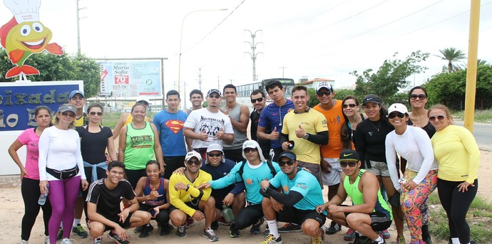 Grupo realiza caminhada em Petrolina-PE de 25 Km  (Foto: Henrique Almeida)
