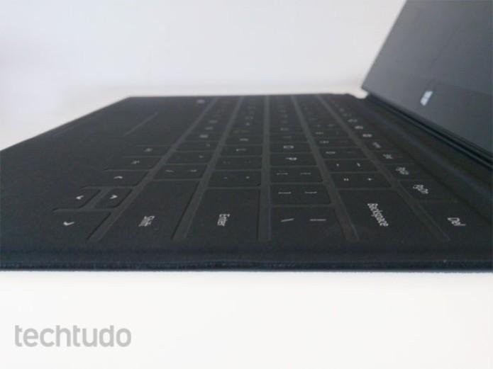 Teclado do Surface RT em detalhe (Foto: Rodrigo Bastos/TechTudo)