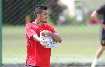Com Rodney e Rogério poupados, Ruiz treina entre os titulares no Sport