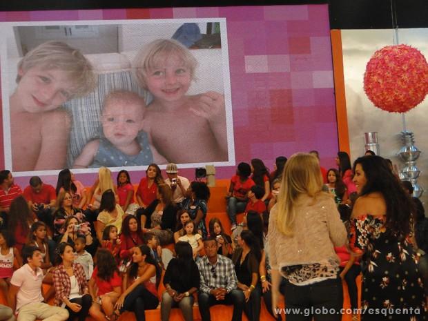 Angélica comenta sobre os filhos com Regina Casé (Foto: TV Globo/ Esquenta)