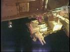 Astronautas completam caminhada espacial para manutenção da ISS