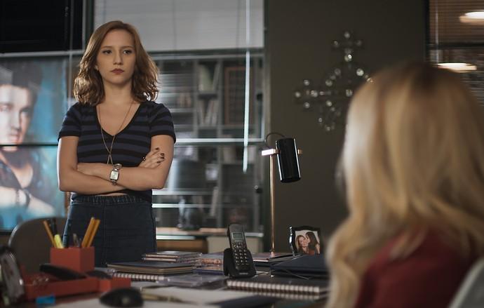 Vanessa conta tudo o que sabe sobre Júlia a Diana (Foto: TV Globo)