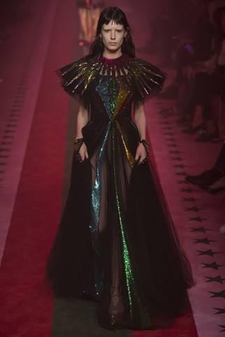 Isabella recebeu elogios por sua atuação no desfile da Gucci (Foto: Divulgação)
