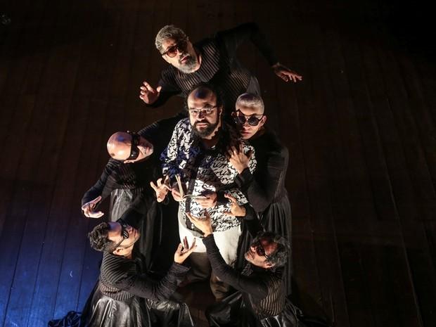 Peça Ossos, do Coletivo Angu de Teatro (Foto: Joanna Sultanum/Divulgação)