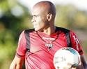 Lesão tira Danilo Tarracha do time, e Eron faz reestreia pelo Atlético-GO