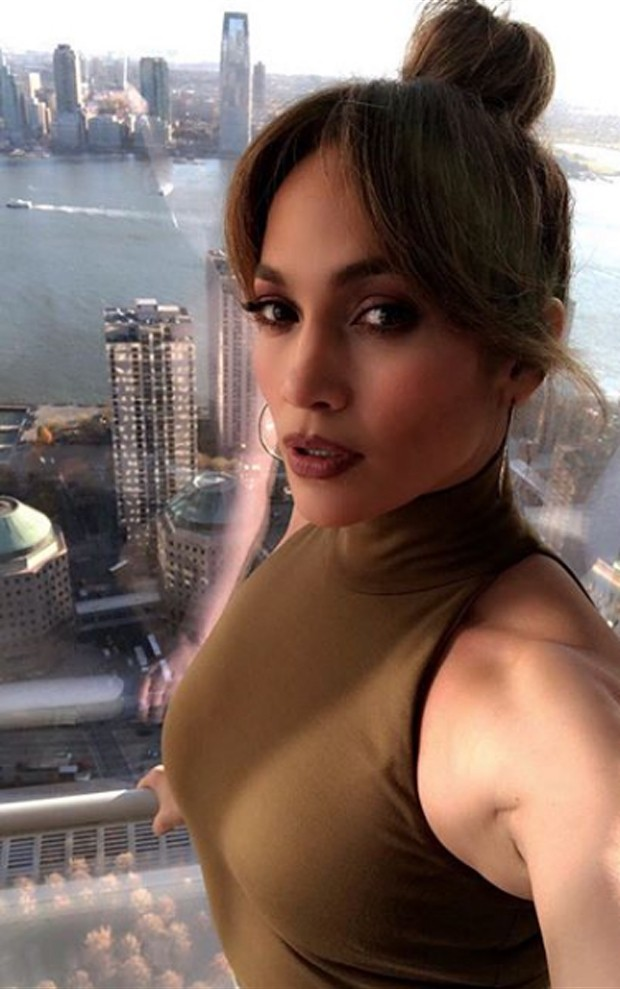 Jennifer Lopez no set de Second Act, em Nova York (Foto: Reprodução/Instagram)