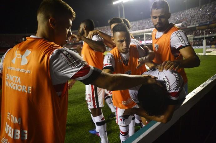 Cueva se cobra por gols perdidos e mostra abatimento