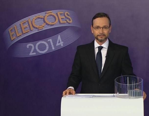 André Junqueira mediou o debate (Foto: Reprodução/ TV Gazeta)