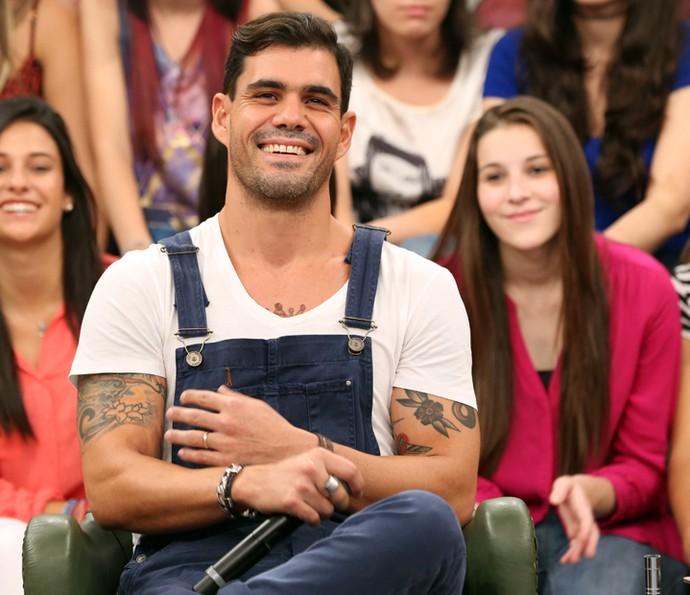 Juliano Cazarré participa das gravação do programa Altas Horas (Foto: Carol Caminha/Gshow)
